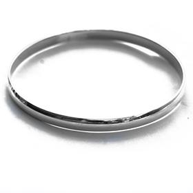 a plain all round silver bangle