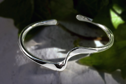 Waved Twist silver Bangle