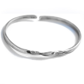 Plain Silver Bangle with Braiding