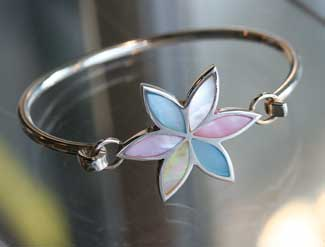 mother of pearl bangle in five colours