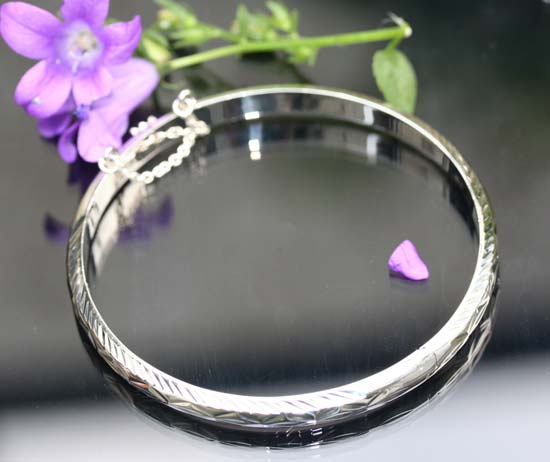 cut plain silver bangle
