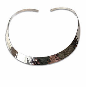 silver choker with hammered effect