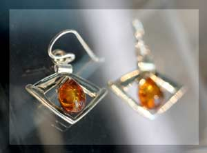 drop amber earrings