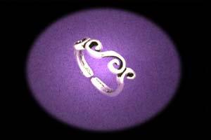silver toe rings